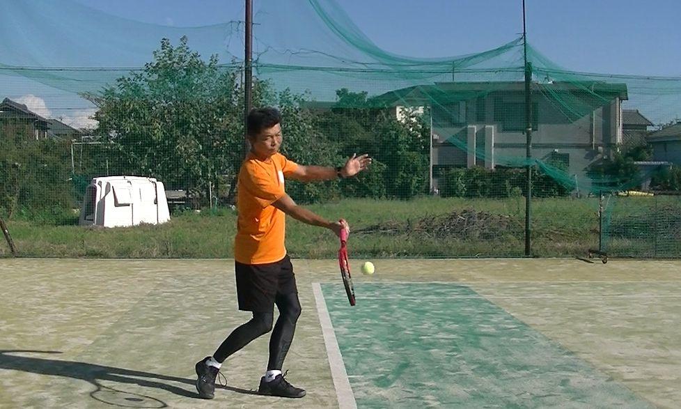 硬式テニスのフォアハンドストローク打点