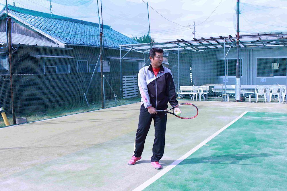 テニスのサーブ、構え方。コンチネンタル版