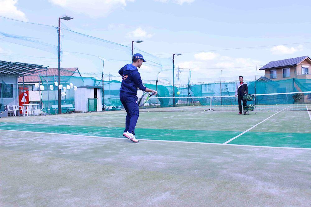 テニスストローク上達 動画 フォーム