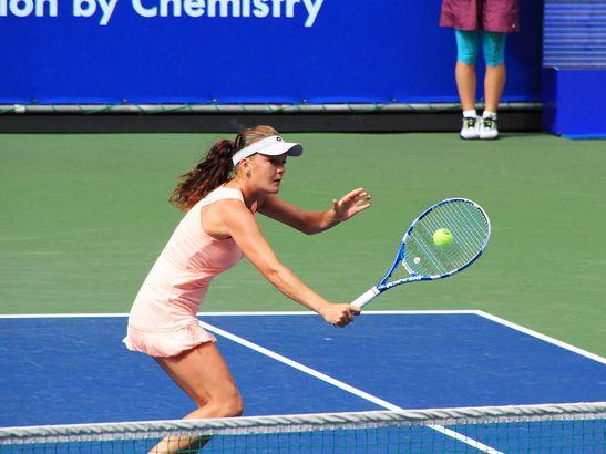 テニスのボレー!基本はサボって打つ事!?(笑)コーチが教える打ち方とコツ